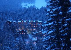 lot_010_2000_hotel_royal_crans_montana
